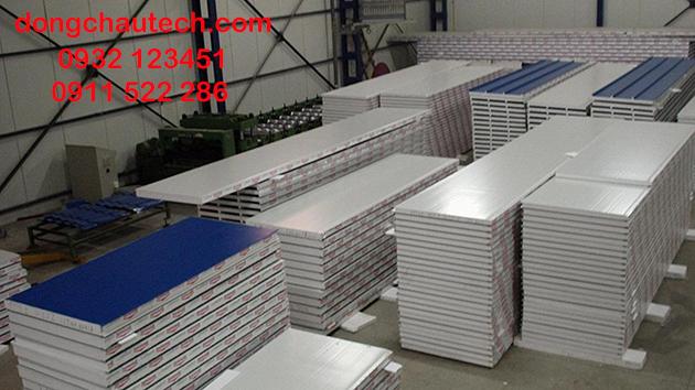 Các tấm panel được sản xuất sẵn tại nhà máy