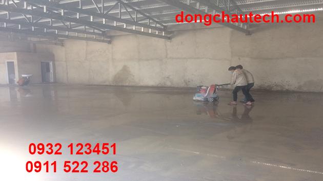 Xử lý sàn bê tông chuẩn bị thi công sơn epoxy giai đoạn sau